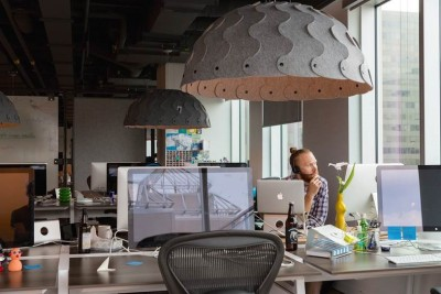 Hush in the workplace: a light, an intimate space and an acoustic device. Photo: ©IQ Commercial